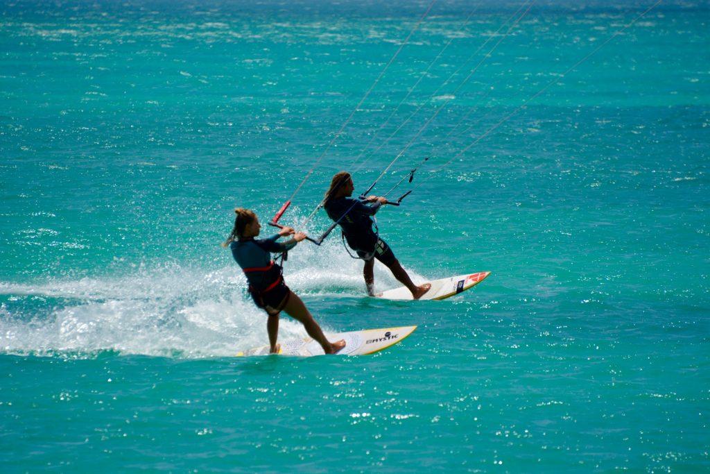 De leukste kitesurf bestemmingen voor stellen