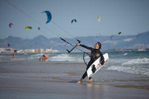 Foto Tarifa kiten kitesurfen in Tarifa bij onze accommodatie in Tarifa