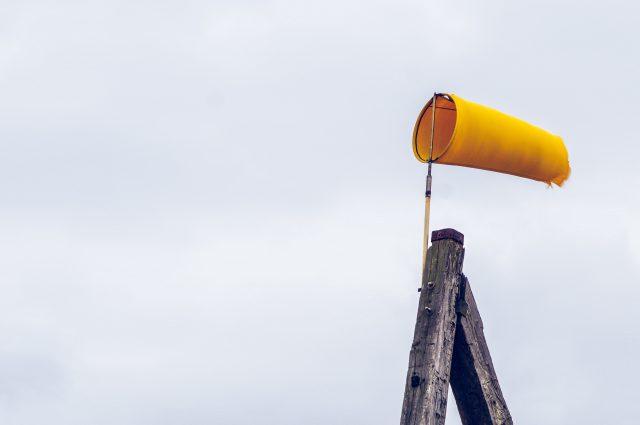 Knopen naar km - windmeten in km/u en m/s voor kiters
