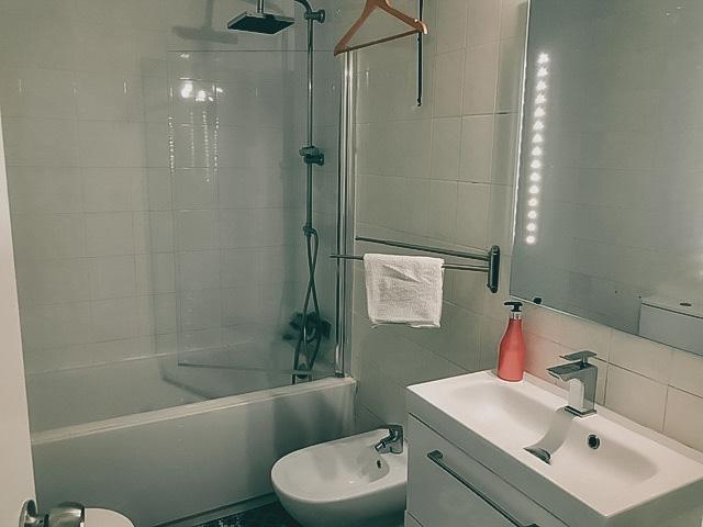 bathroom 1 tarifa