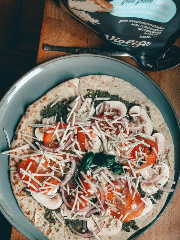 wrap pizza voor die de oven in gaat